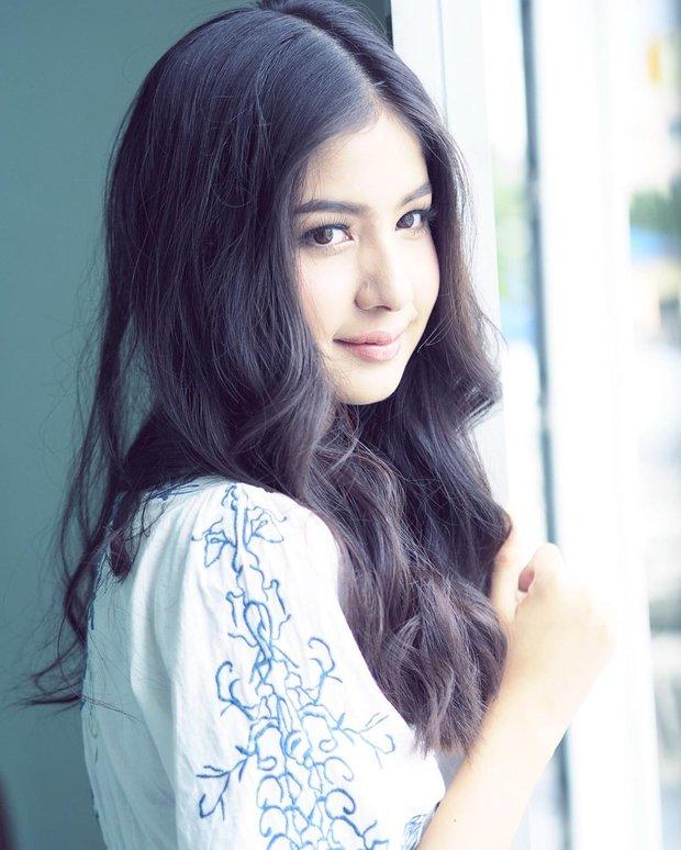 Vẻ đẹp ngọt ngào tựa nữ thần của hot girl Thái Lan không cần thả thính cũng khiến nhiều chàng trai tự đổ - Ảnh 4.