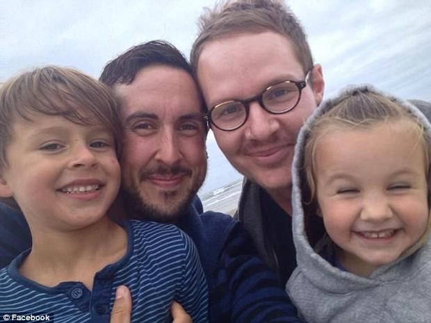Người đàn ông chuyển giới vừa sinh hạ một bé trai xinh xắn sau lần sảy thai đau đớn trước đó - Ảnh 4.