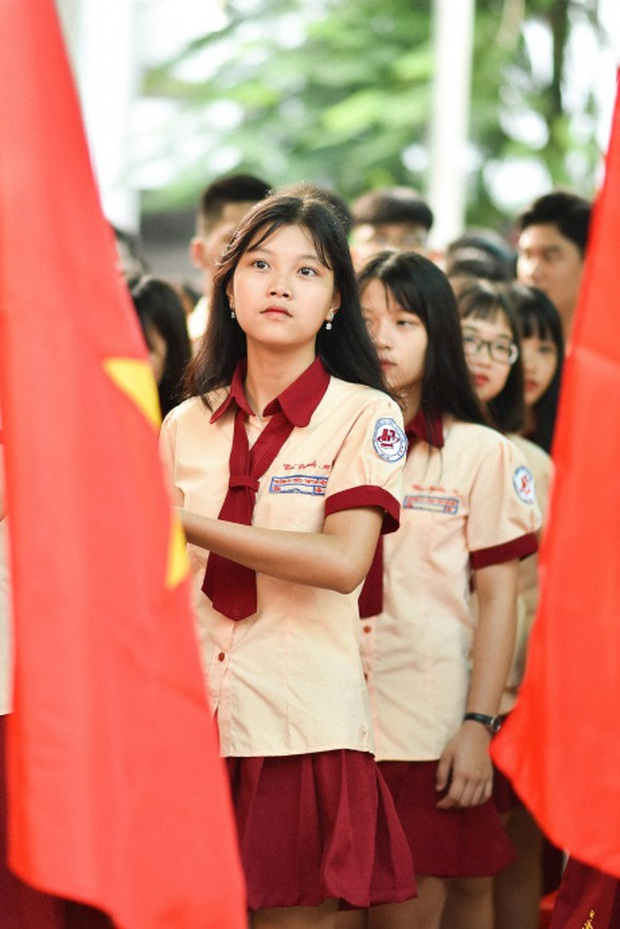 Only C, Miu Lê trở về tuổi thơ trong lễ Khai giảng trường TH-THCS-THPT Mỹ Việt - Ảnh 4.