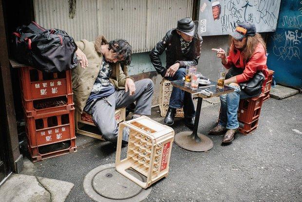 Những gã say xỉn từ ga tàu cho đến đường phố: Nét văn hóa tiệc tùng của giới công sở Nhật Bản - Ảnh 12.