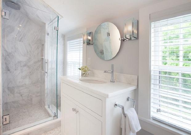 14 thiết kế phòng tắm gác mái vừa nhìn qua đã thích ngay.