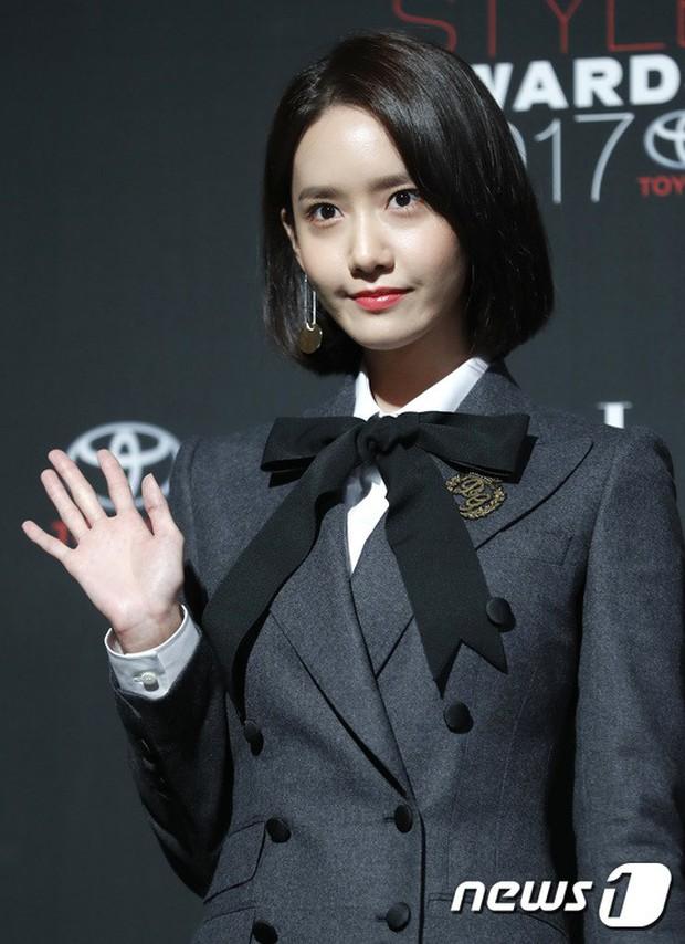 Thảm đỏ quy tụ dàn sao quyền lực: Yoona sang chảnh, nữ thần Kim Ji Won đẹp xuất sắc nhưng lại mặc gì thế này? - Ảnh 4.