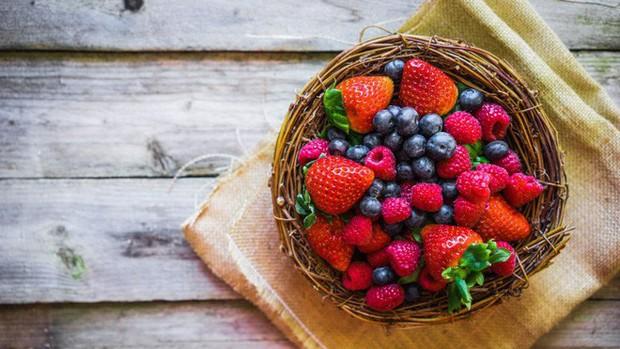 Thay vì ăn kiêng nghiêm ngặt, làm việc này kết hợp cùng những thực phẩm bạn ăn sẽ còn tốt hơn nhiều - Ảnh 4.