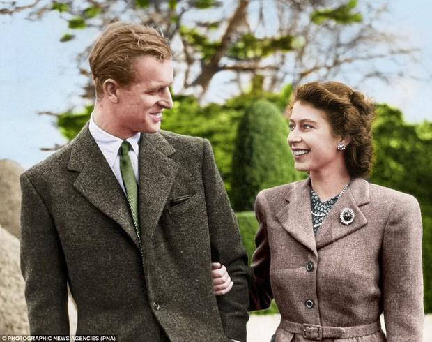 70 năm ngày cưới Nữ hoàng Elizabeth: Cuộc hôn nhân gần 1 thế kỉ và những bí quyết hạnh phúc giản dị - Ảnh 4.