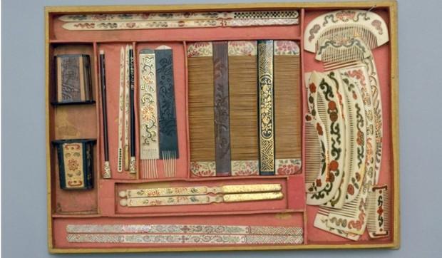 Cuộc sống xa hoa tột bậc của Từ Hy Thái Hậu: Ăn 120 sơn hào hải vị mỗi bữa, có riêng một tuyến đường sắt đi lại trong cung - Ảnh 4.