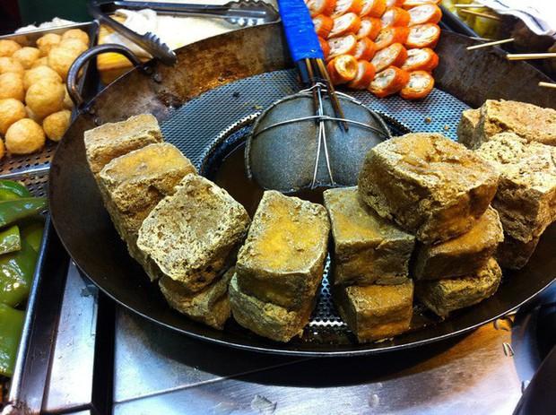 10 đặc sản nổi danh thế giới phải ủ đến bốc mùi, có giòi mới ăn ngon, Việt Nam cũng góp mặt 1 món - Ảnh 4.