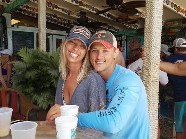Cặp đôi lên mạng nhờ chỉnh sửa ảnh, nào ngờ vớ được mấy thánh photoshop có tâm hết sức - Ảnh 28.