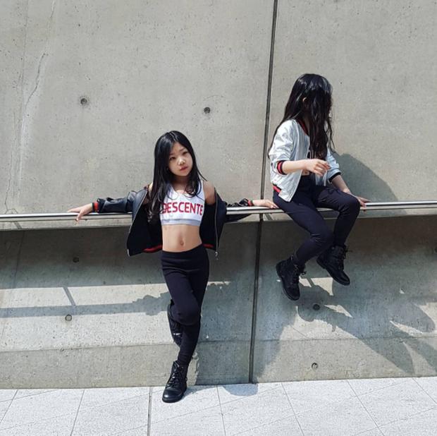 Cứ mỗi mùa Seoul Fashion Week đến, dân tình lại chỉ ngóng xem street style vừa cool vừa yêu của những fashionista nhí này - Ảnh 35.