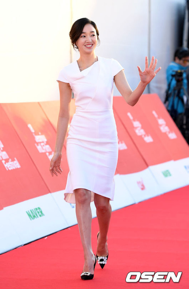 Thảm đỏ liên hoan phim quốc tế gây chú ý với màn đọ sắc của loạt mỹ nhân không tuổi đình đám xứ Hàn - Ảnh 5.