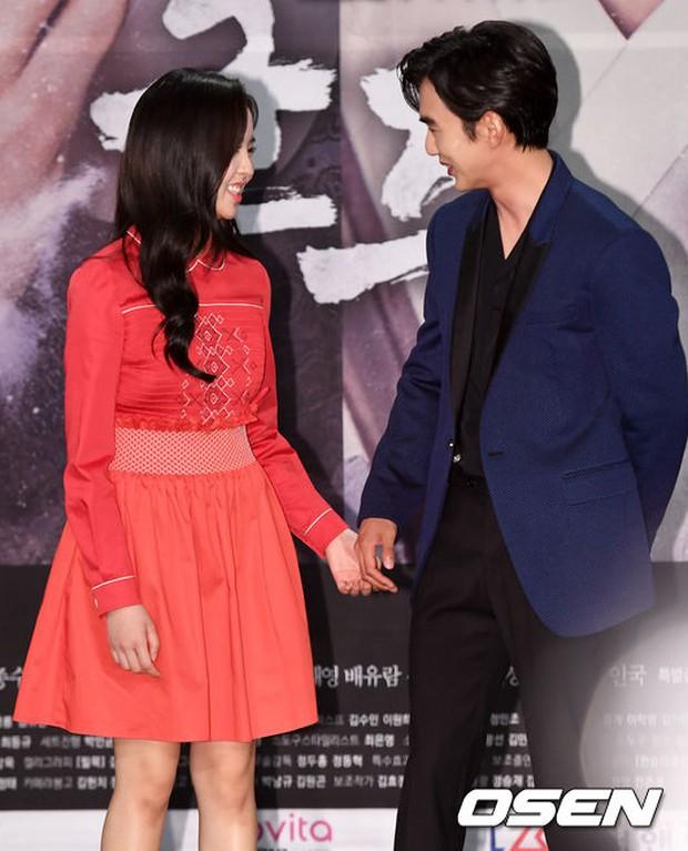 Yoo Seung Ho và L đứng cạnh nhau thôi cũng khiến fan đau đầu, Kim So Hyun mặt tròn vẫn xinh - Ảnh 5.