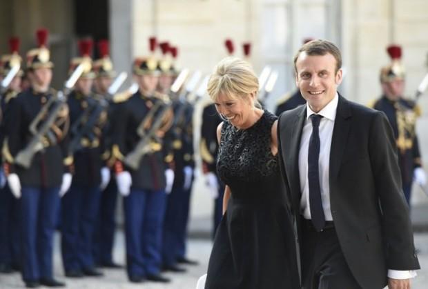 Bà Brigitte Trogneux: Từ mối tình cô trò thời trung học trở thành tân Đệ nhất phu nhân nước Pháp - Ảnh 8.