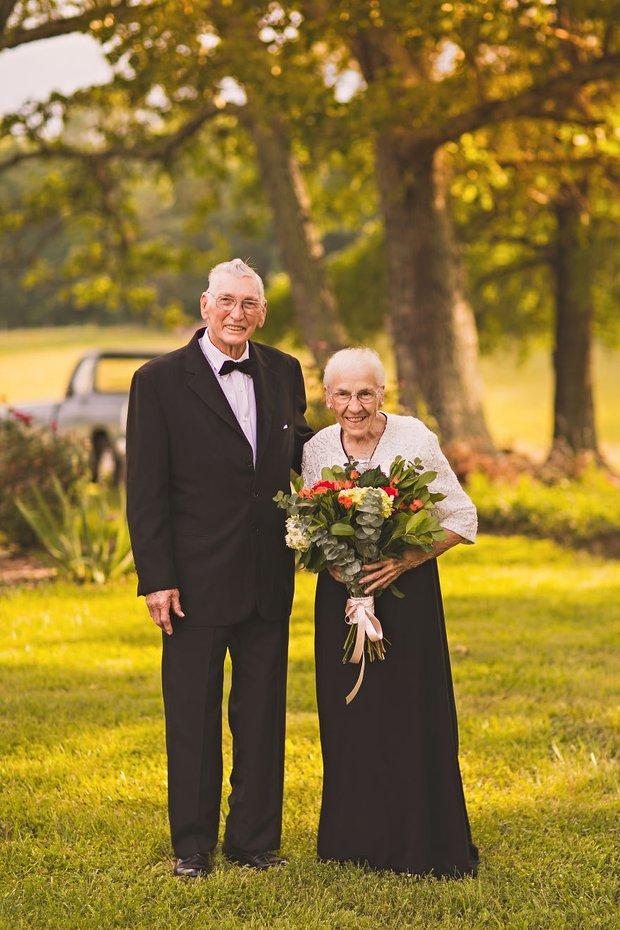 Mối tình già son sắt của cặp vợ chồng trong bộ ảnh kỉ niệm 65 năm ngày cưới khiến ai cũng thầm ao ước - Ảnh 5.