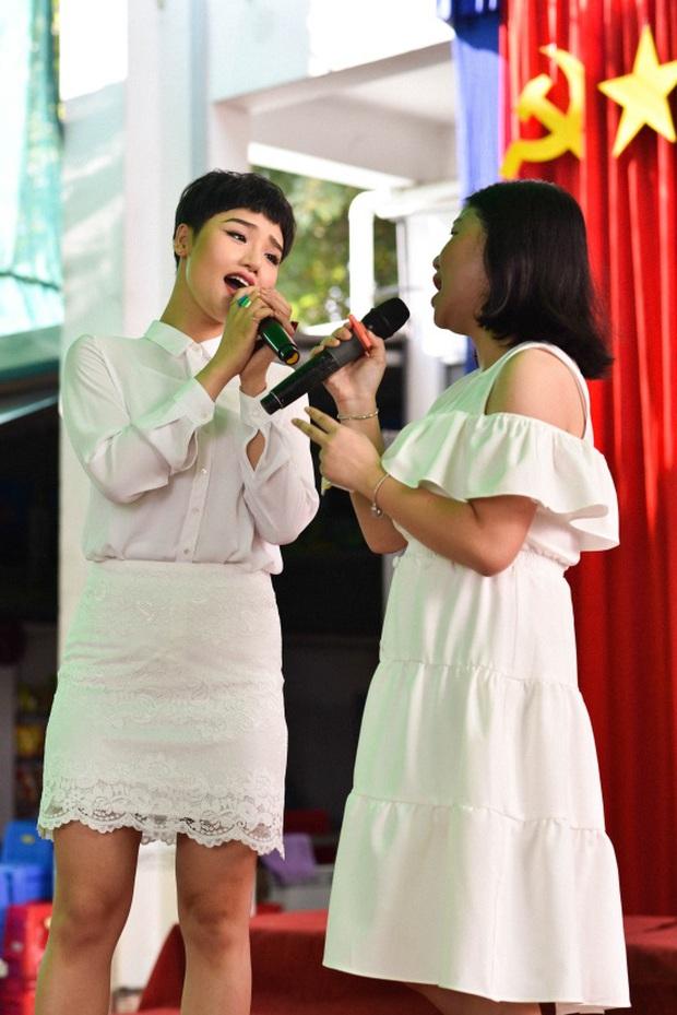 Only C, Miu Lê trở về tuổi thơ trong lễ Khai giảng trường TH-THCS-THPT Mỹ Việt - Ảnh 7.
