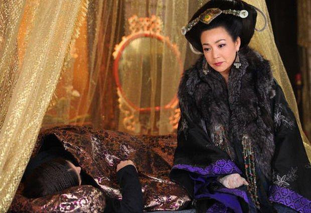 Bí ẩn về vị Hoàng hậu đang được yêu chiều bỗng bị thất sủng, chết trong ấm ức không người thân - Ảnh 5.