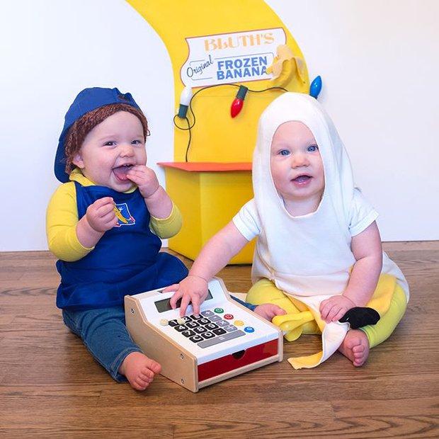 Đã tìm ra cặp song sinh chất chơi nhất mùa Halloween năm nay, mỗi ngày diện một bộ đồ siêu yêu - Ảnh 5.
