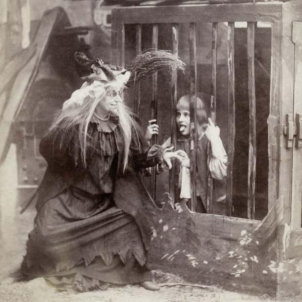 Những bộ hóa trang ám ảnh đến rùng rợn: Halloween ngày xưa kinh dị hơn giờ gấp nhiều lần - Ảnh 5.