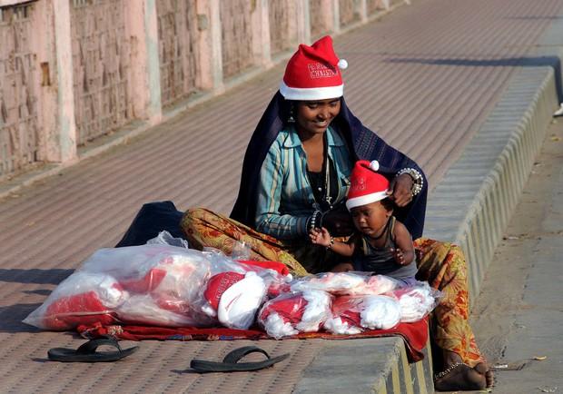 """Những góc khuất đêm Giáng sinh: Đâu đó vẫn còn những người đón """"mùa an vui"""" trong cô đơn và nghèo khổ - Ảnh 5."""