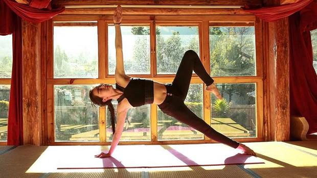 Vẻ đẹp tựa thiên thần của cô giáo yoga đẹp nhất châu Á - Ảnh 5.