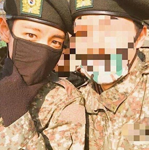 Sau khi bị ốm, T.O.P lại gây sốt vì lấy lại phong độ cực bảnh trong quân ngũ - Ảnh 7.