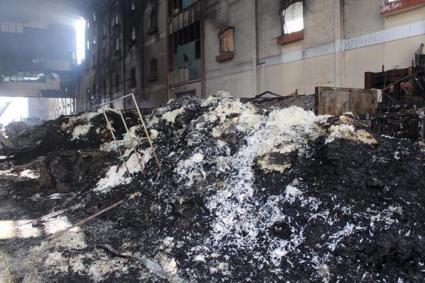 Hình ảnh tan hoang sau vụ cháy suốt 24 giờ ở Cần Thơ - Ảnh 6.