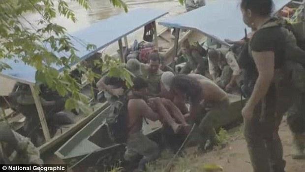 Lạc trong rừng rậm Amazon 9 ngày, người đàn ông sống sót nhờ bầy khỉ chỉ chỗ ăn và nước uống - Ảnh 1.