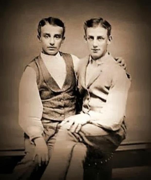 Những bức ảnh LGBT từ hàng trăm năm qua: Đồng tính chưa bao giờ là bệnh và thời nào cũng có cả - Ảnh 3.