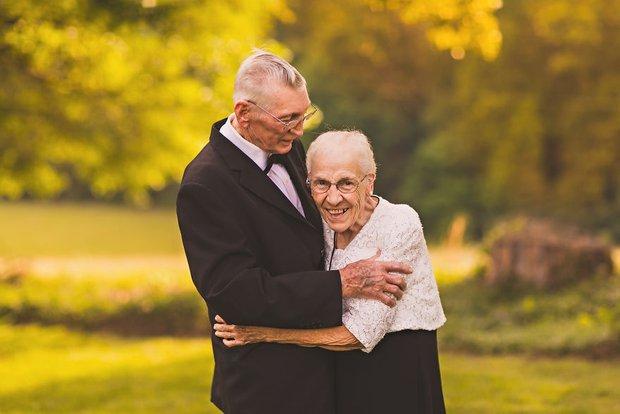 Mối tình già son sắt của cặp vợ chồng trong bộ ảnh kỉ niệm 65 năm ngày cưới khiến ai cũng thầm ao ước - Ảnh 6.