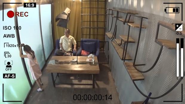 Các bé gái Bố ơi! Mình đi đâu thế? sốc khi bị nhốt trong phòng kín 3 giờ đồng hồ liên tục - Ảnh 7.