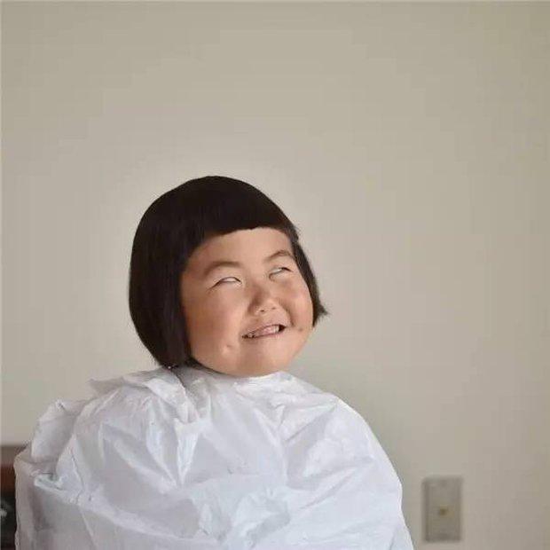 Bị mẹ dìm hàng không thương tiếc nhưng biểu cảm mặt xấu của cô bé 5 tuổi vẫn khiến dân mạng điêu đứng - Ảnh 6.