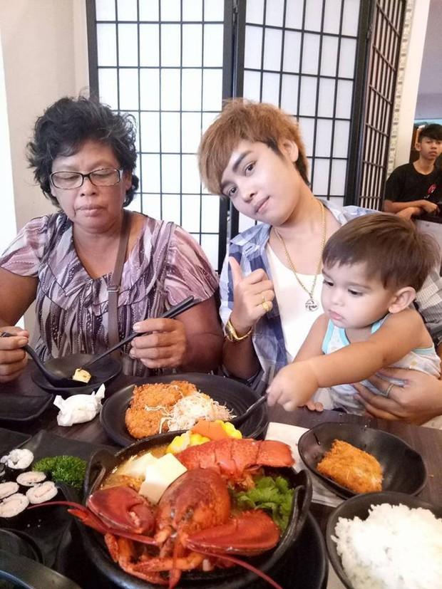 Tổ ấm hạnh phúc của cặp đồng tính nữ Thái Lan cùng cậu con trai kháu khỉnh khiến nhiều người ngưỡng mộ - Ảnh 6.