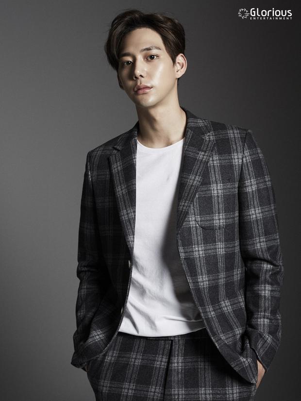 Tất tần tật về bạn diễn mỹ nam Hàn của Chi Pu: Mặt đẹp như Tây không góc chết, thân hình 6 múi vạn người mê - Ảnh 6.