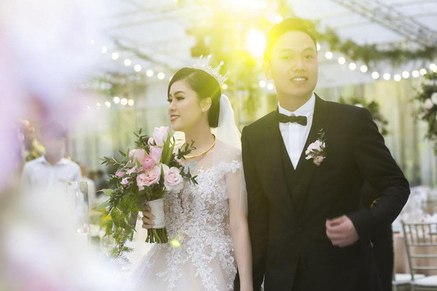 Ở Việt Nam cũng có những siêu đám cưới xa hoa, huy động hàng chục vệ sĩ để bảo vệ dàn khách mời toàn người nổi tiếng - Ảnh 7.