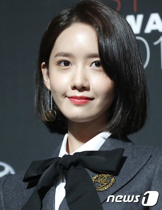 Thảm đỏ quy tụ dàn sao quyền lực: Yoona sang chảnh, nữ thần Kim Ji Won đẹp xuất sắc nhưng lại mặc gì thế này? - Ảnh 6.