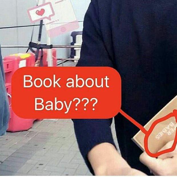 Song Joong Ki bị bắt gặp mua sách chăm con, củng cố tin đồn Song Hye Kyo đang mang thai? - Ảnh 3.