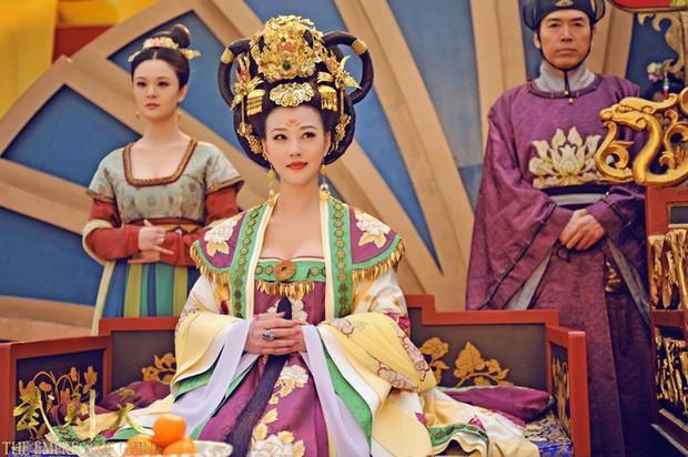 Giữa hàng ngàn mỹ nữ trong tam cung lục viện, Hoàng đế chọn người để ân ái bằng cách nào? - Ảnh 6.