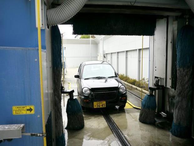 Nhật Bản: Bị chê dở hơi vì dùng bút viết bảng để sơn ô tô, sau khi đem xe đi rửa ai nấy đều bất ngờ - Ảnh 6.