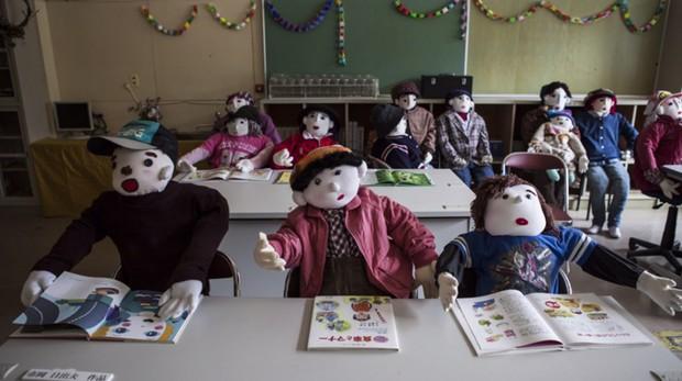 Ám ảnh khung cảnh rùng rợn của ngôi làng tại Nhật Bản nơi búp bê dần thay thế con người - Ảnh 9.