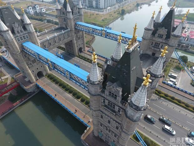 Hết tượng Nhân sư, tháp Eiffel, giờ đến cầu tháp London cũng có phiên bản anh em lỗi tại Trung Quốc - Ảnh 8.