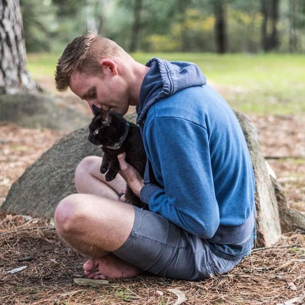 Bán nhà cửa rồi bỏ việc, chàng trai trẻ dắt mèo cưng đi du lịch vòng quanh đất nước suốt 2,5 năm - Ảnh 7.