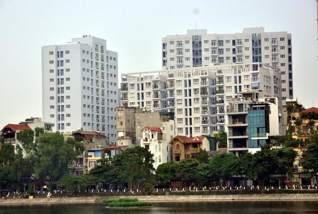 Hà Nội: Nhiều chung cư bỏ hoang cả chục năm khiến người dân nuối tiếc - Ảnh 7.