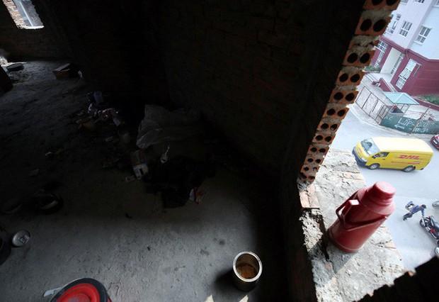 Hà Nội: Biệt thự triệu đô biến thành nơi chích ma túy, kim tiêm vứt thành đống - Ảnh 7.