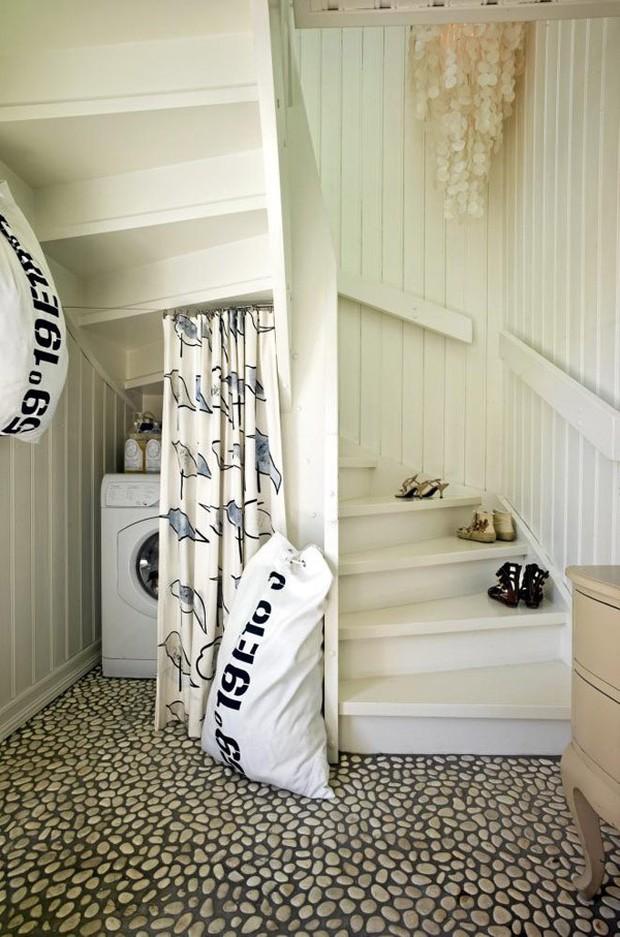 15 ý tưởng nội thất tận dụng gầm cầu thang vừa hiệu quả, vừa đẹp - Ảnh 11.