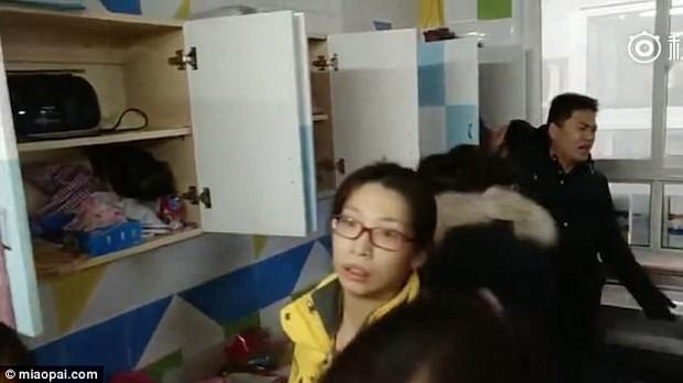 Trung Quốc: Rúng động vụ trẻ em mầm non bị ép uống thuốc lạ, ngược đãi và lạm dụng tình dục - Ảnh 7.