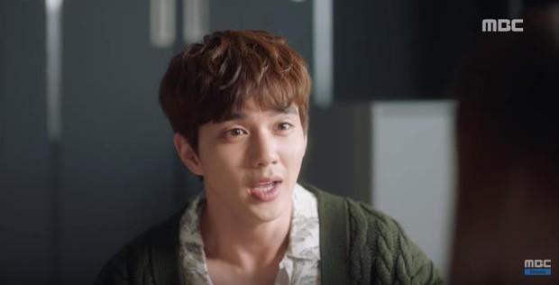 Quá manh động, Yoo Seung Ho không sợ ngứa, kề sát môi robot - Ảnh 16.