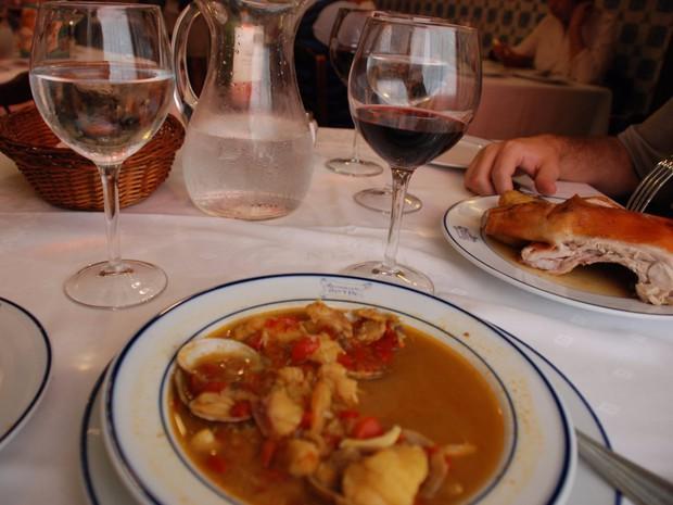Có gì bên trong nhà hàng lâu đời nhất thế giới, hơn 300 năm hoạt động vẫn nườm nượp thực khách ghé thăm? - Ảnh 15.