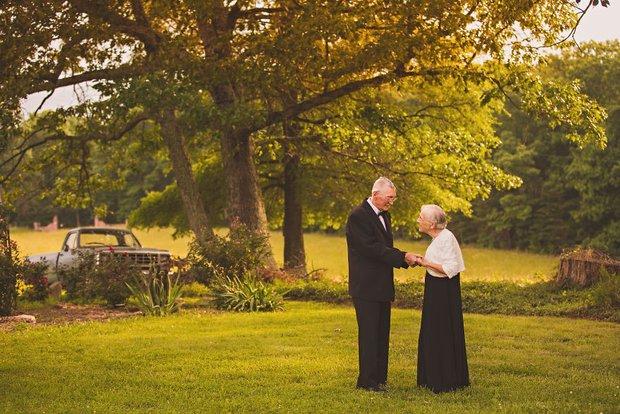 Mối tình già son sắt của cặp vợ chồng trong bộ ảnh kỉ niệm 65 năm ngày cưới khiến ai cũng thầm ao ước - Ảnh 8.