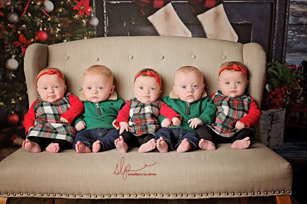 Cặp sinh năm siêu đáng yêu chào đón Giáng sinh đầu tiên trong đời - Ảnh 8.