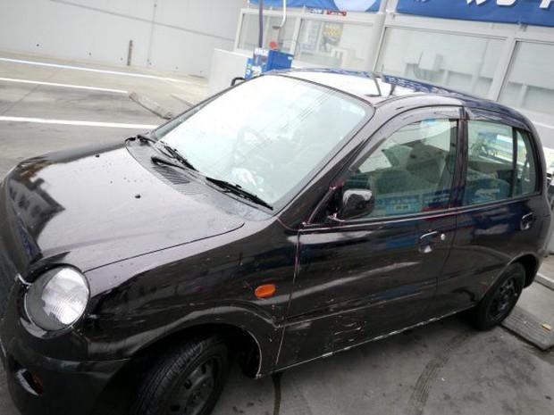 Nhật Bản: Bị chê dở hơi vì dùng bút viết bảng để sơn ô tô, sau khi đem xe đi rửa ai nấy đều bất ngờ - Ảnh 8.