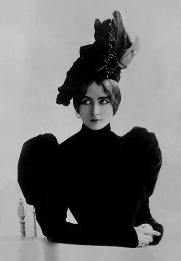 """Cuộc đời kịch tính của """"gái làng chơi"""" Paris được mệnh danh là tổ nghề Celeb"""" nổi tiếng nhờ các tin đồn và scandal - Ảnh 8."""