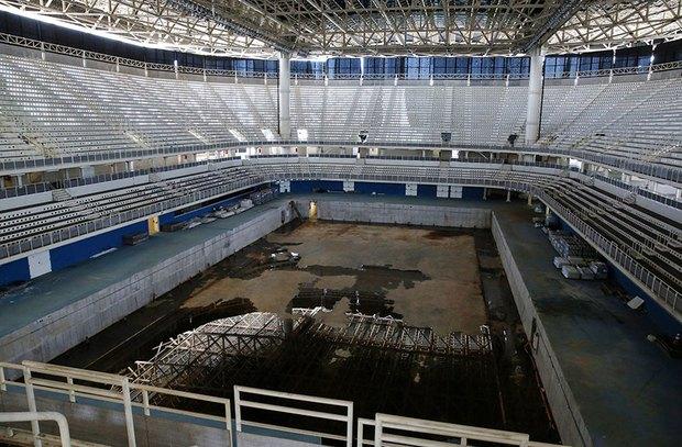 Mới chỉ hơn 6 tháng thôi mà các công trình Olympic Rio đã tan hoang như thế này - Ảnh 9.